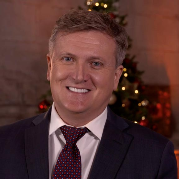 Aled Jones performing at the Guide Dogs Christmas Wishes Event